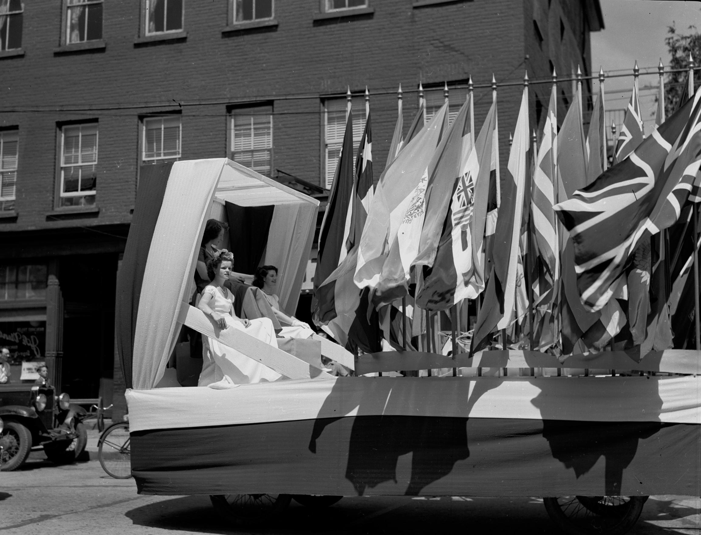 La fête de la Confédération en 1947 - Fond studio RC. Société d'histoire de Magog